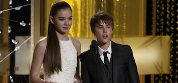 Justin Bieber, Hailee Steinfeld, Golden Globe 2011, 02