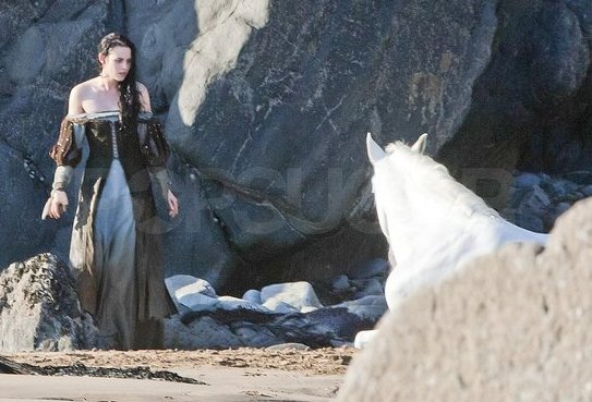 Kristen Stewart, Wet Dress, Snow White and the Huntsman 2012, Set 04