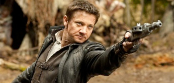 Jeremy Renner Hansel and Gretel Witch Hunters