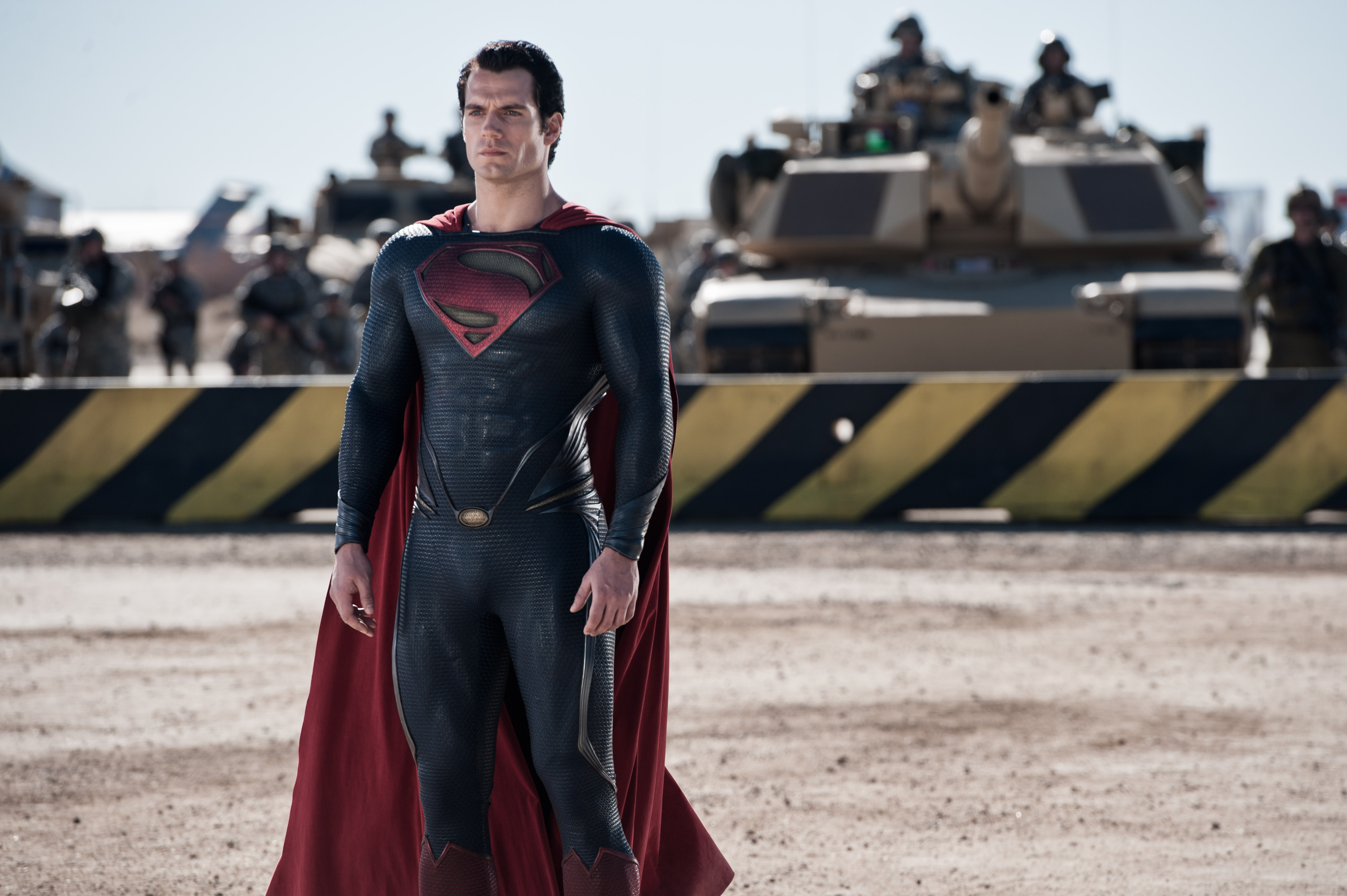 [Image: henry-cavill-man-of-steel-01-5914x3936.jpg]