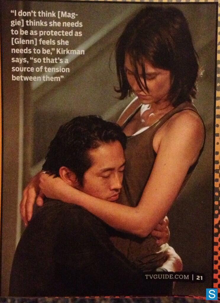 Lauren Cohan Steven Yeun Hugging The Walking Dead Season 4