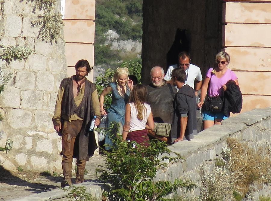 Emilia Clarke Michiel Huisman Game of Thrones Season 4