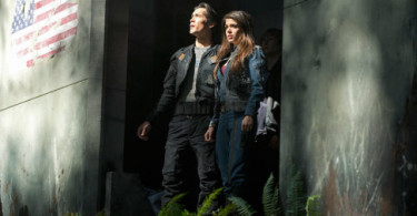 Bob Morley Marie Avgeropoulos The 100 Pilot
