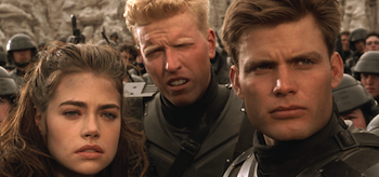 casper-van-dien-denise-richards-jake-busey-starship-troopers-01-350x164