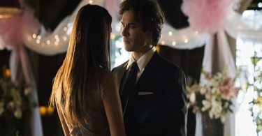 Nina Dobrev Ian Somerhalder The Vampire Diaries