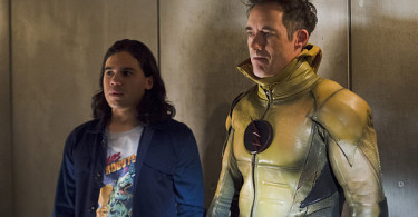 The Flash Tom Cavanagh Carlos Valdes The ReverseFlash Returns