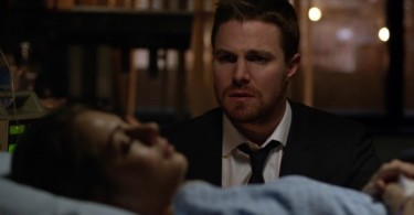 Stephen Amell Willa Holland Arrow Unchained