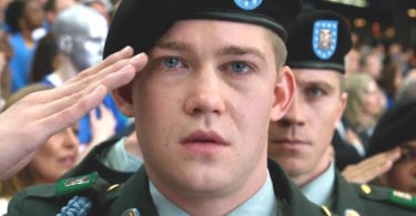 Joe Alwyn Billy Lynn's Long Halftime Walk