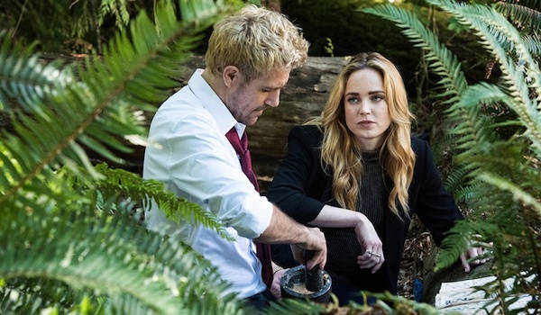 Caity Lotz Matt Ryan Legends of Tomorrow The Virgin Gary